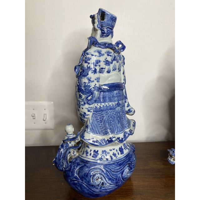 Mid 20th Century Vintage Chinese Blue & White Figures - Set of 2 For Sale - Image 5 of 13