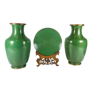 Vintage Chinese Green Cloisonne Vases and Plate With Carved Rack - 4 Pieces For Sale