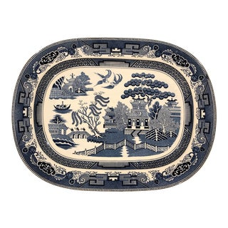 """Vintage Monumental 18"""" Chinoiserie Blue Willow Platter in Blue and White For Sale"""