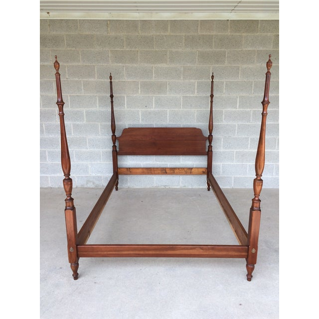 Pennsylvania House Furniture Solid Cherry Double/Full Size Poster Bed. Candlelight Finish, Chippendale Style. In Very Good...
