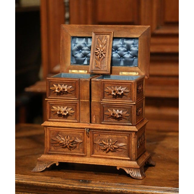 Wood 19th Century French Black Forest Carved Walnut Jewelry Box For Sale - Image 7 of 13