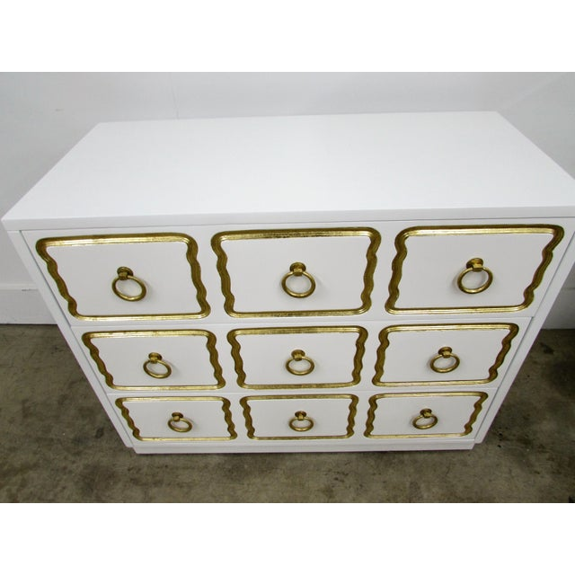 White Pair of Chests in the Manner of Dorothy Draper España Collection for Heritage For Sale - Image 8 of 12