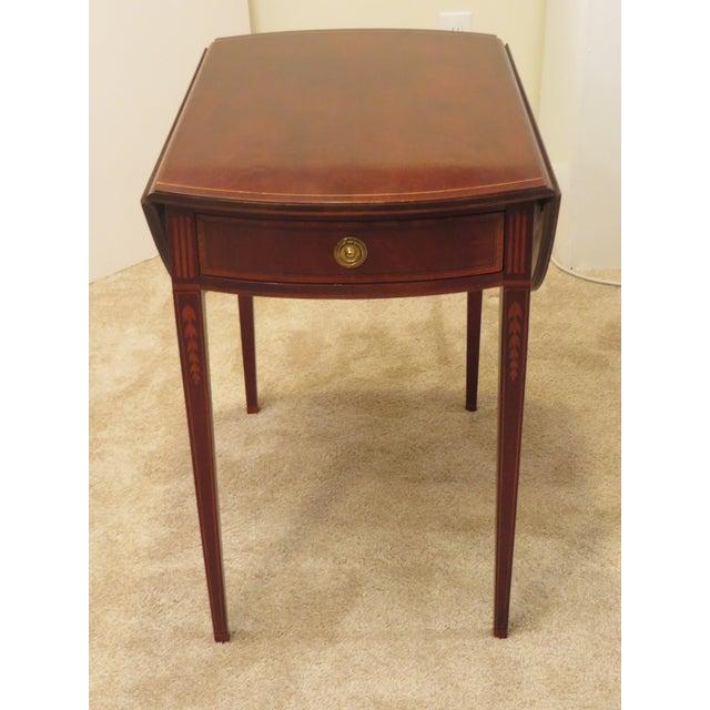 Early 20th Century Antique Baker Furniture Drop Leaf Pembroke Table For  Sale In Philadelphia - Image - Early 20th Century Antique Baker Furniture Drop Leaf Pembroke Table
