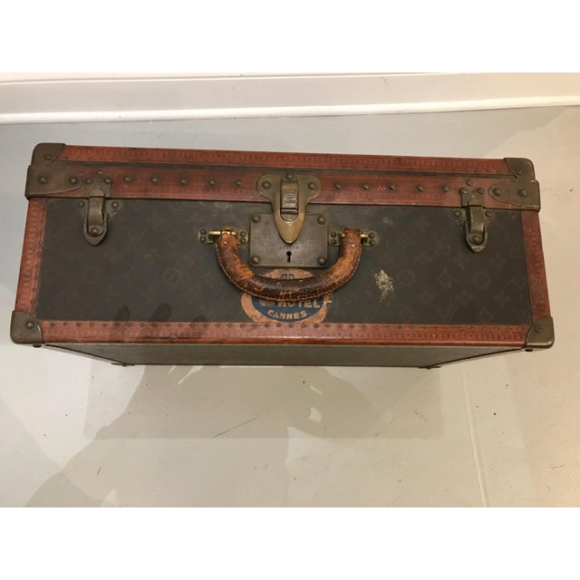Gold Louis Vuitton Suitcase Trunk With Key For Sale - Image 8 of 13