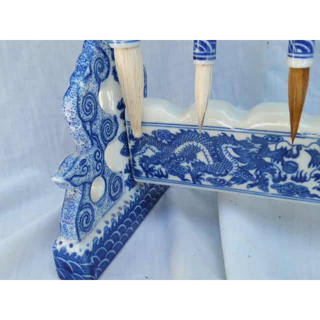 Chinese Blue Willow Calligraphy Brushes & Holder - Image 5 of 7