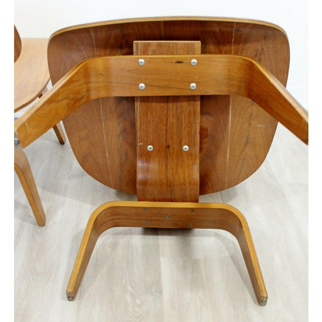Textile Mid Century Modern Pair Early Rare Charles Eames Lcw Lounge Side Chairs 50s For Sale - Image 7 of 9