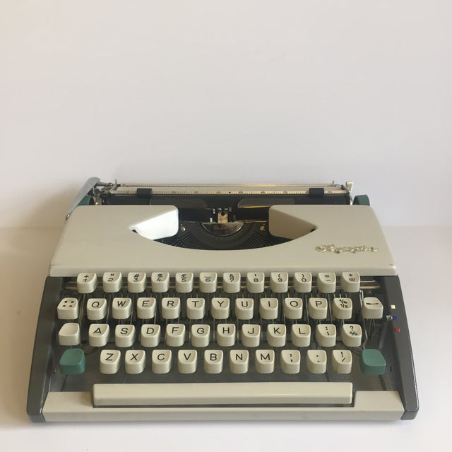 Vintage Olympia De Luxe Typewriter Germany - Image 11 of 11