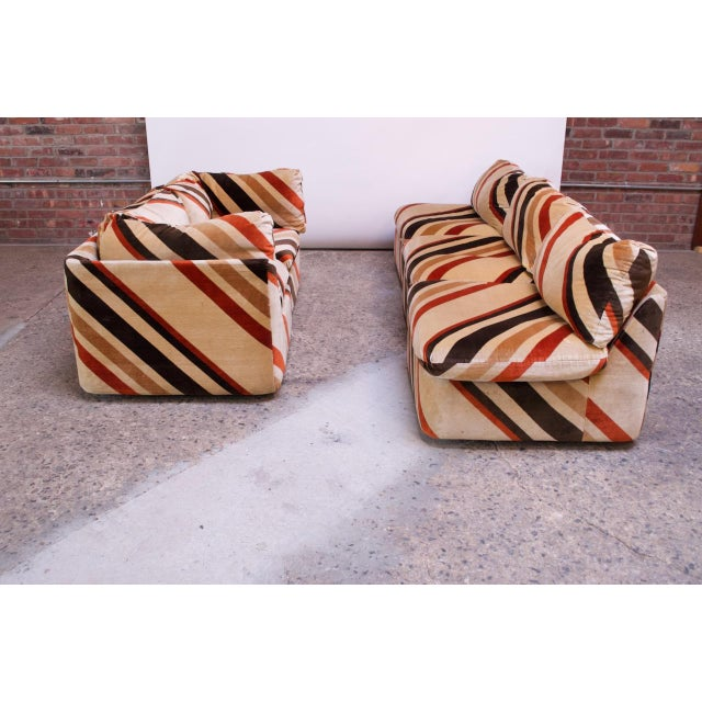 1970s 1970s American Modern Five-Piece Chevron Sectional Sofa For Sale - Image 5 of 13