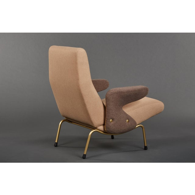 """Arflex Pair of """"Delfino"""" Armchairs by Erberto Carboni Manufactured by Arflex For Sale - Image 4 of 10"""