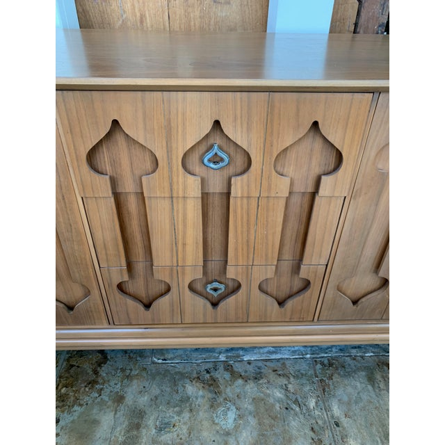 """Mid-Century Modern Low Walnut Credenza Cabinet Carved """"Spade"""" Fruit For Sale In Los Angeles - Image 6 of 9"""