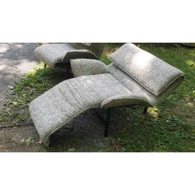 Silver 1980's Giovanni Offredi Onda Recliner Saporiti Lounge Chairs For Sale - Image 8 of 10