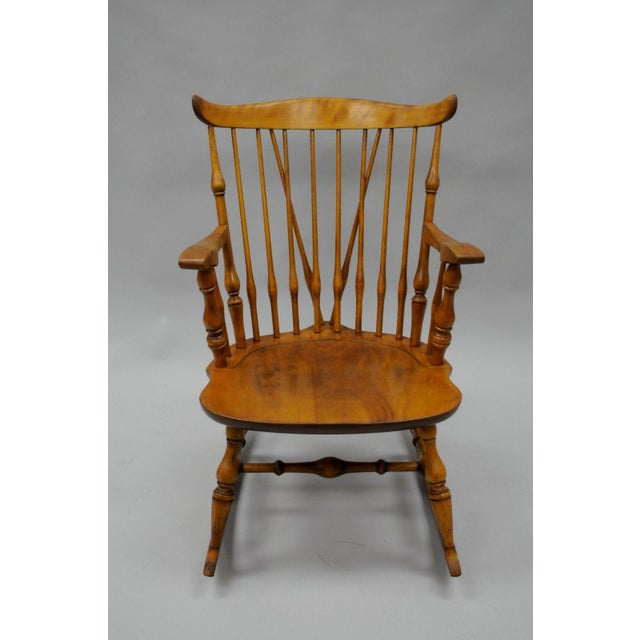 Traditional Colonial Traditional Vtg Nichols & Stone Maple Wood Windsor Rocking Chair Rocker For Sale - Image 3 of 11