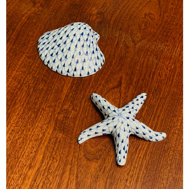 1990s Blue and White Ceramic Shell and Starfish Figures - A Pair For Sale - Image 5 of 5