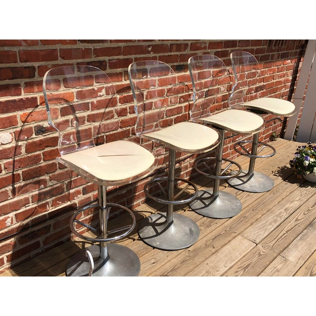 Mid-Century Modern 1970s Mid-Century Modern Hill Manufacturing Lucite Bar Stools - Set of 4 For Sale - Image 3 of 10