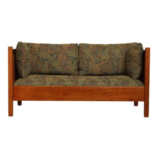 Stickley Mission Collection Cherry Spindle Loveseat For Sale