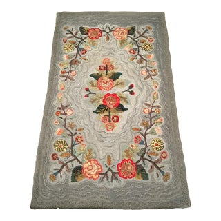 1910s Americana Style Floral Gray Wool Hooked Rug