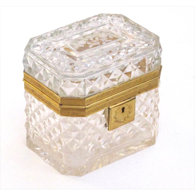 An Exquisite Antique Baccarat Diamond-Cut Crystal Vanity Box With Dore Bronze Mounts For Sale - Image 9 of 9