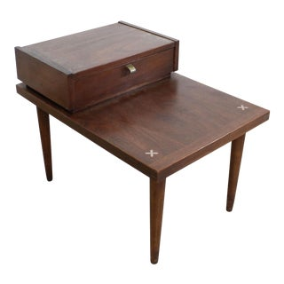 Mid-Century Modern Merton L. Gershun American of Martinsville Step Side Table For Sale