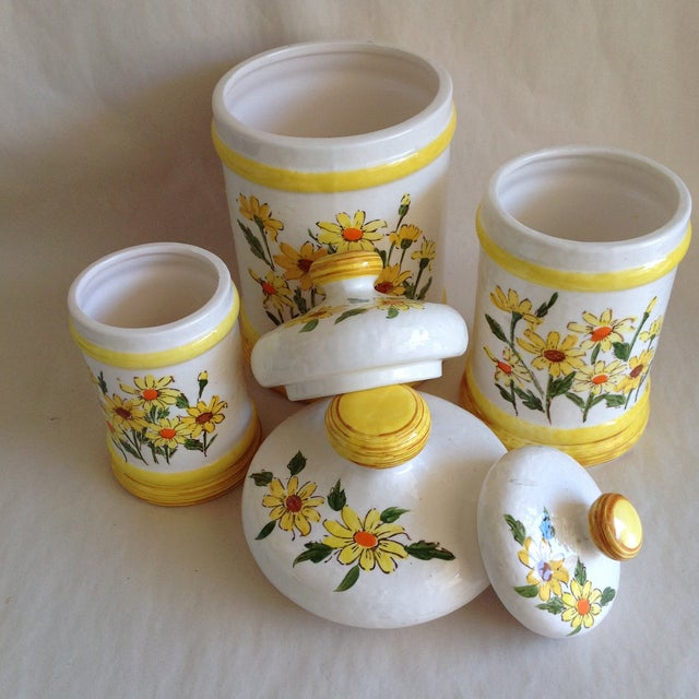 Daisy Kitchen Decor: Mid-Century Floral Daisy Canister - Set Of 3