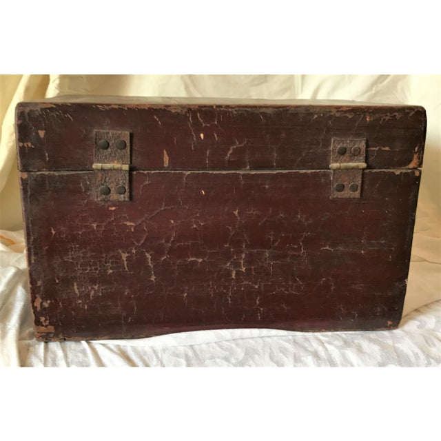 Qing Dynasty Hand Painted Chinese Chest - Image 5 of 6
