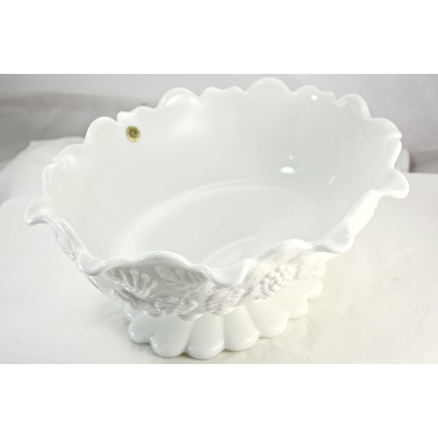 "Mid 20th Century Westmorland 11"" Oval Grape Centerpiece Bowl For Sale - Image 5 of 7"