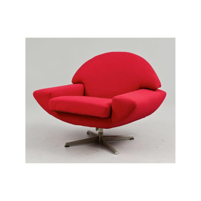 "Mid-Century Modern ""Capri"" Swivel Lounge by Johannes Andersen For Sale - Image 3 of 6"