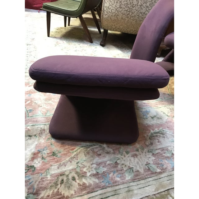 Mid Century Modern Jaymar Memphis Sculptural Cantilever Lounge and Ottoman in Purple Fabric For Sale - Image 12 of 13