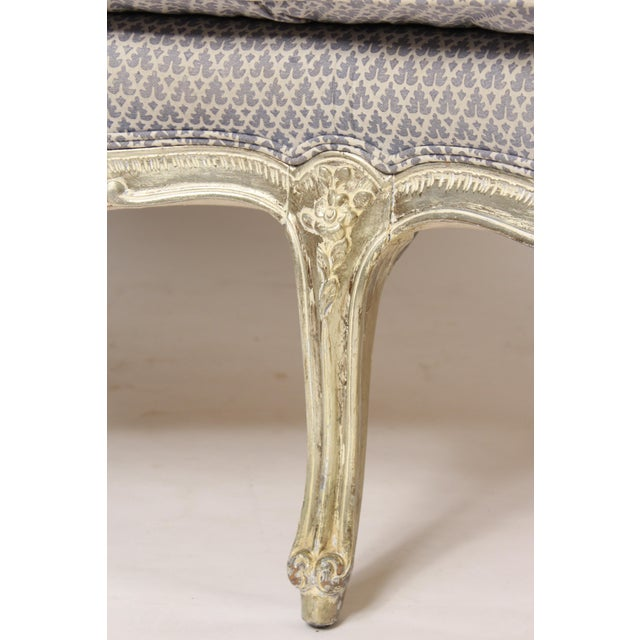 Paint 1980s Louis XV Style Silver Leaf and Painted Settee For Sale - Image 7 of 12