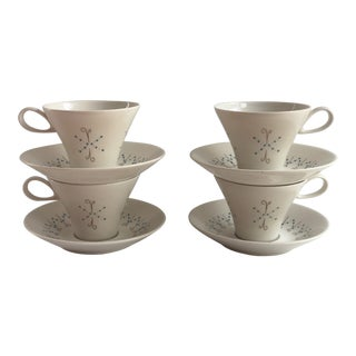 "Mid-Century Iroquois China Impromptu Shape ""Pins and Beads"" Cup & Saucers - Set of 4 For Sale"