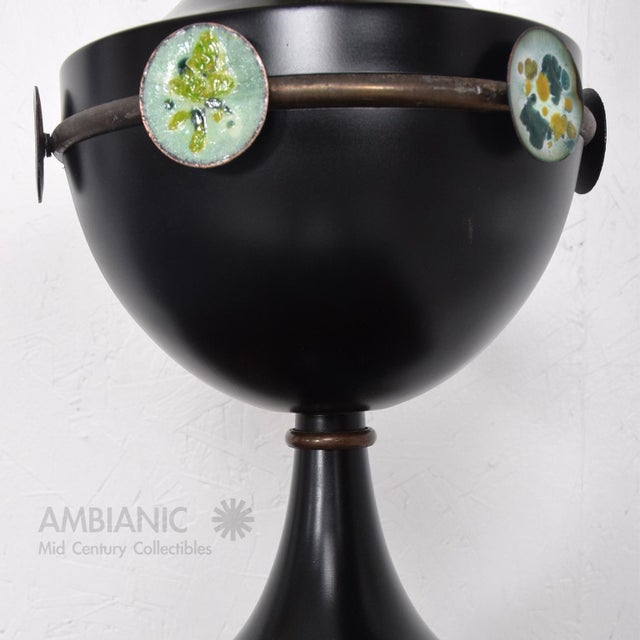 Mid-Century Modern Mid Century Mexican Modernist Table Lamp With Enamel Decorations For Sale - Image 3 of 9