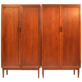 Kipp Stewart for Directional by Calvin Matching Ten-Drawer Dressers in Walnut For Sale