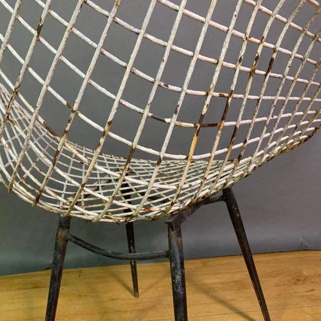 Set of 1970s Iron Diamond Outdoor Chairs, Manner of Bertoia For Sale - Image 10 of 11