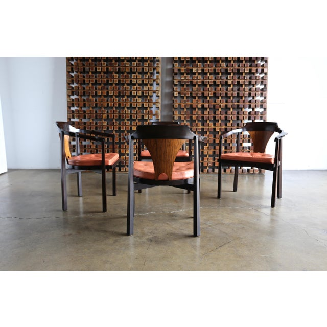 "Mid-Century Modern Set of Four ""Horseshoe"" Chairs by Edward Wormley for Dunbar For Sale - Image 3 of 13"