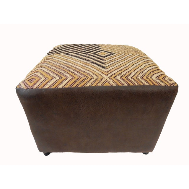 Kuba Textile Ottoman For Sale In New York - Image 6 of 8