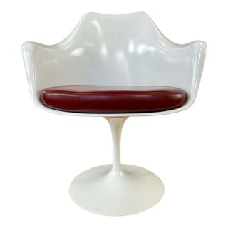 White Tulip Armchair W/Red Leather Eero Saarinen for Knoll A For Sale