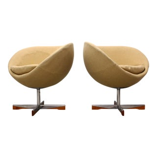 """Westnofa """"Planet"""" Lounges by Sven Ivar Dysthe - a Pair For Sale"""