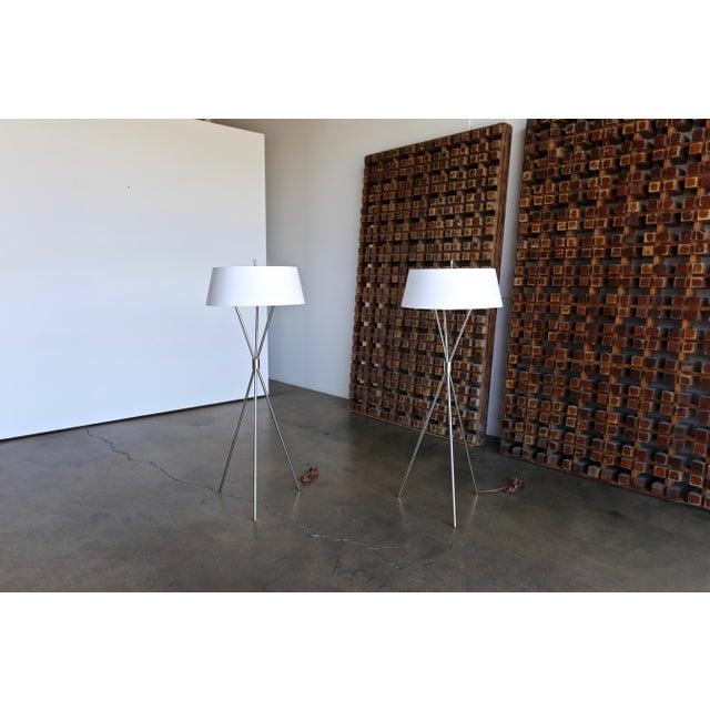 "Mid-Century Modern t.h. Robsjohn Gibbings ""Tripod"" Floor Lamps - a Pair For Sale - Image 3 of 13"