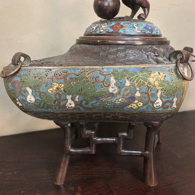 Bronze 19th Century Japanese Cloissone 3 Piece Mantel Set For Sale - Image 7 of 13