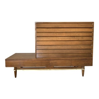 Vintage Mid-Century American of Martinsville Dania Modular Bench & Chest of Drawers For Sale