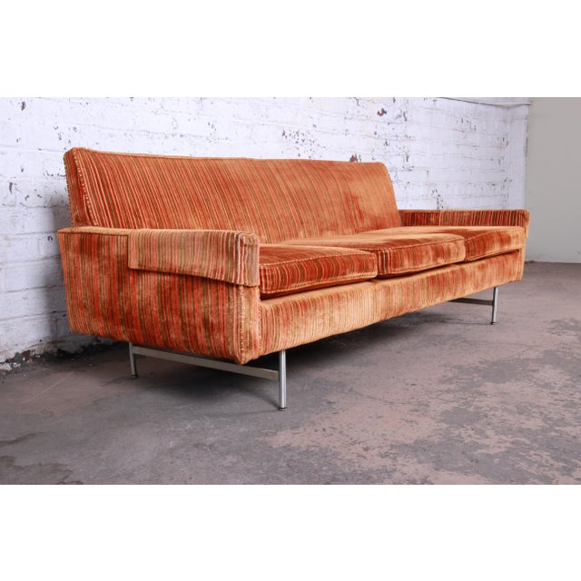 1950s Original Paul McCobb Linear Group Sofa on Brass Legs, 1960s For Sale - Image 5 of 9