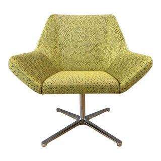 Eoos Designed Cahoots Relax Chair for Keilhauer in Chartreuse D For Sale
