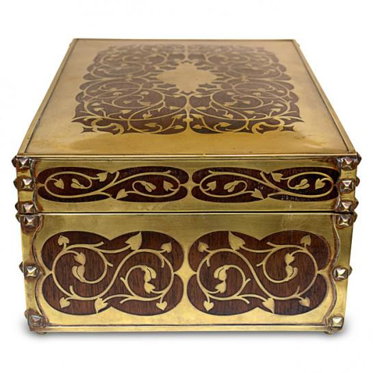 Art Nouveau 19th Century Antique English Arts and Crafts Style Mahogany Cigar Humidor With Brass Inlaiy For Sale - Image 3 of 11