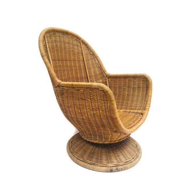 1980s Vintage Sculpted Rattan Egg Chair Swivel Wicker Club Chair For Sale - Image 10 of 13