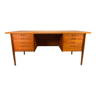 Vintage Danish Mid Century Modern Teak Executive Desk in the Manner of Hans Wegner For Sale