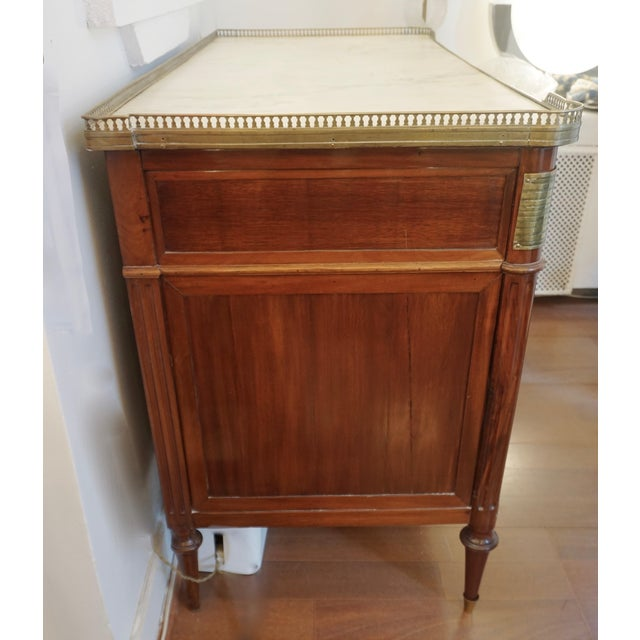 Antique French Directoire Brass Mounted Mahogany Commode With White Marble Top For Sale - Image 12 of 13