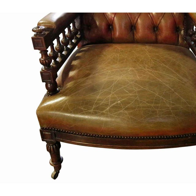 Traditional 20th Century Traditional Chesterfield Leather Corner Chair For Sale - Image 3 of 4