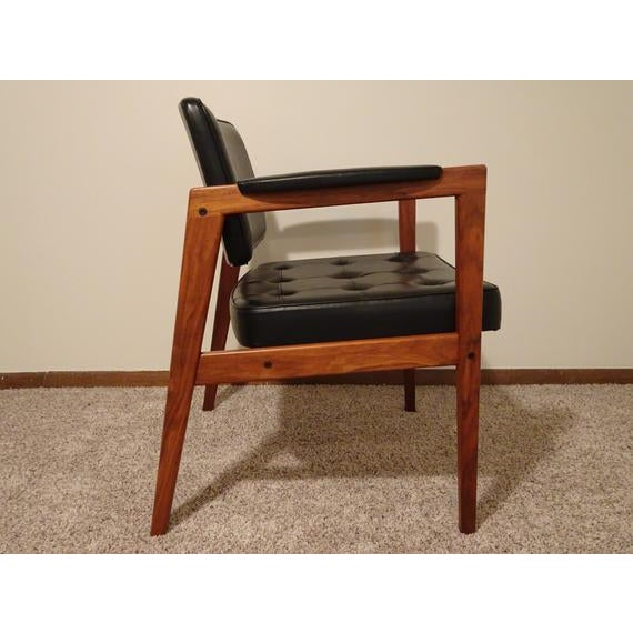 Mid Century Modern Svegards Markaryd Chair in exquisite condition. The only unnoticeable wear are on the legs near the...