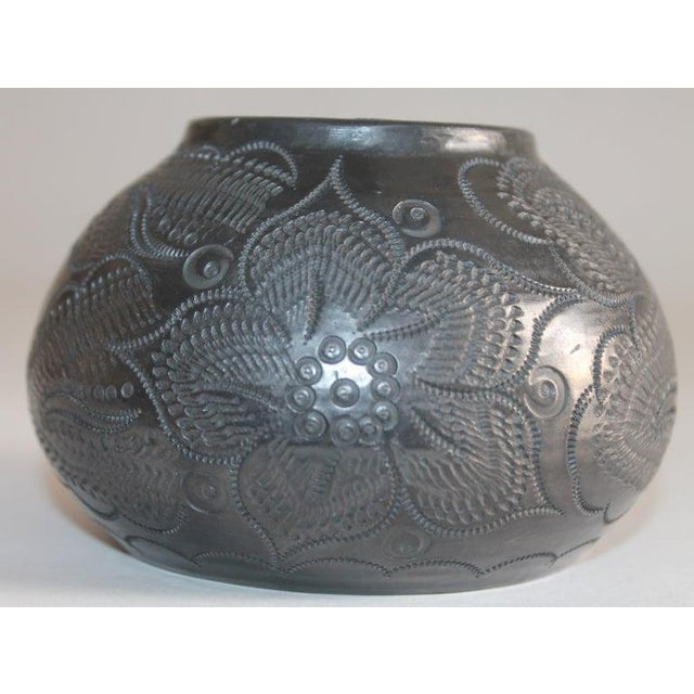 Signed Navajo Indian Pottery Bowl For Sale In Los Angeles - Image 6 of 8