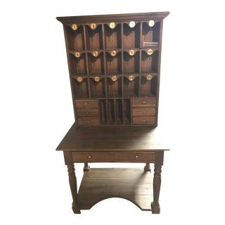 Hotel Secretary Key Desk
