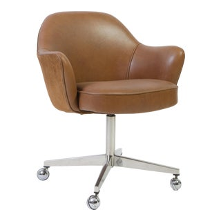 Saarinen for Knoll Desk Chair on Swivel Base in Saddle Leather & Suede For Sale